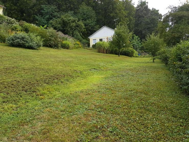 Bild 4: Ruhig gelegenes Baugrundstück im grünen ohne Bauzwang!