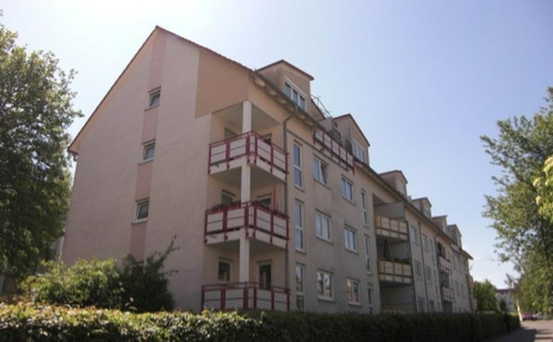 3-Raum-Wohnung mit Balkon und Stellplatz! - Wohnung mieten - Bild 1