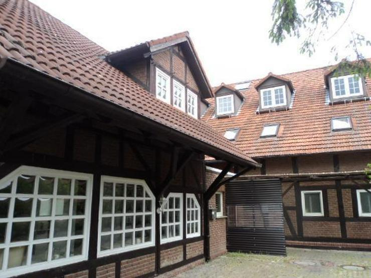 Bild 3: Historisches Gebäude in idyllischer Lage mit Gastronomie