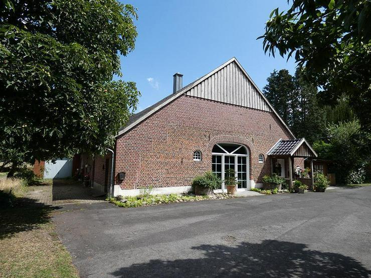 Bild 3: Saniertes Bauernhaus mit großer Scheune u. Garage (Grundstück ca. 7.211 m²)