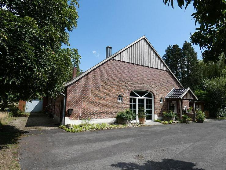 Bild 4: Saniertes Bauernhaus mit großer Scheune u. Garage (Grundstück ca. 7.211 m²)