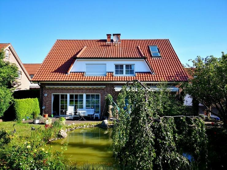 Wohnen in gefragter Sackgassenlage: gepflegte Doppelhaushälfte mit 4,5 Zimmern und Terras...