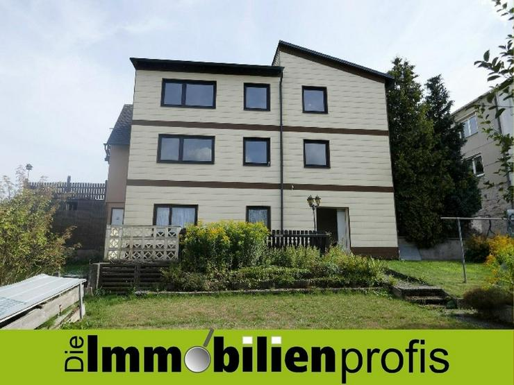 Großzügige Doppelhaushälfte mit ca. 260 m² Wohnfläche in Hof