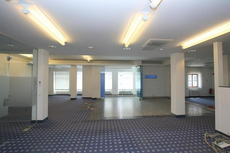 Bild 2: Zentrale Geschäftsräume