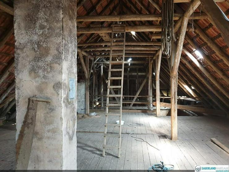 Bild 6: Wunderschön gelegene alte Fachwerkbauernhaus, Eimelrod