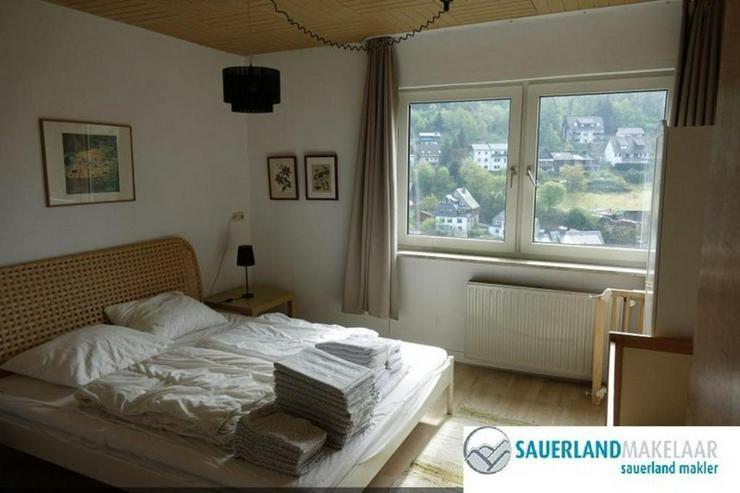Bild 5: Freistehendes, großes Einfamilienhaus in Schwalefeld