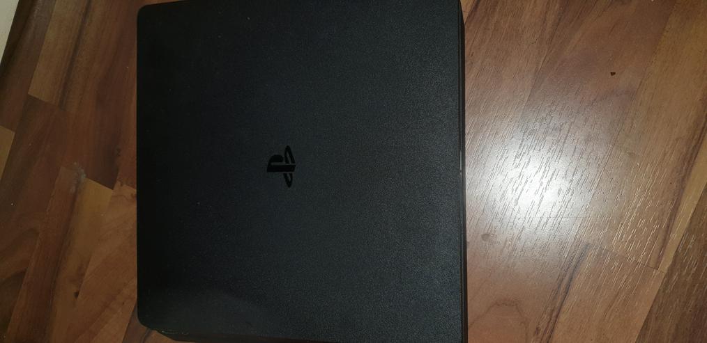Bild 3: PS4 1TB incl. Controller und Spiele