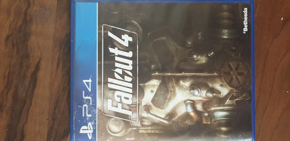 Bild 5: PS4 1TB incl. Controller und Spiele