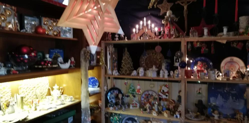Bild 4: Weihnachtsschmuck und vieles andere bei unserm Hausflohmarkt