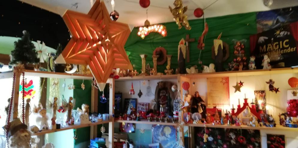 Bild 6: Weihnachtsschmuck und vieles andere bei unserm Hausflohmarkt