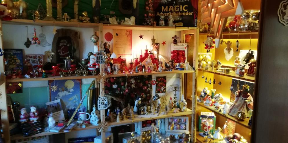 Bild 5: Weihnachtsschmuck und vieles andere bei unserm Hausflohmarkt