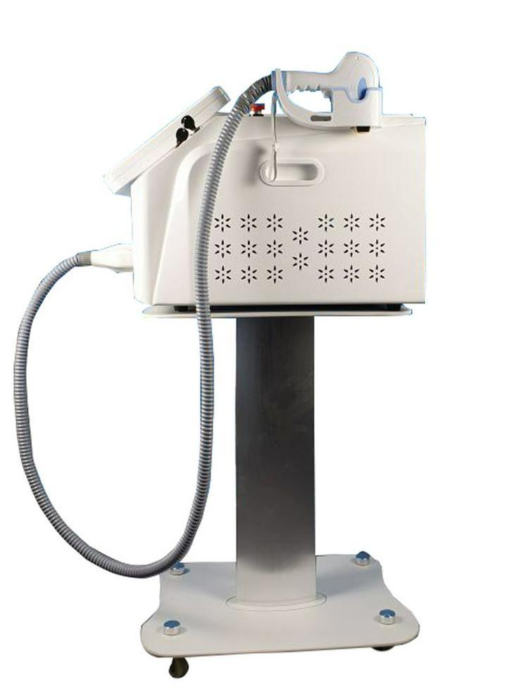 Bild 3: Diodenlaser SHR Laser mit ICE Freeze Kühlung und 3 Wellenlängen- Haarentfernung mit Diodenlaser- auch für Nichtmediziner möglich