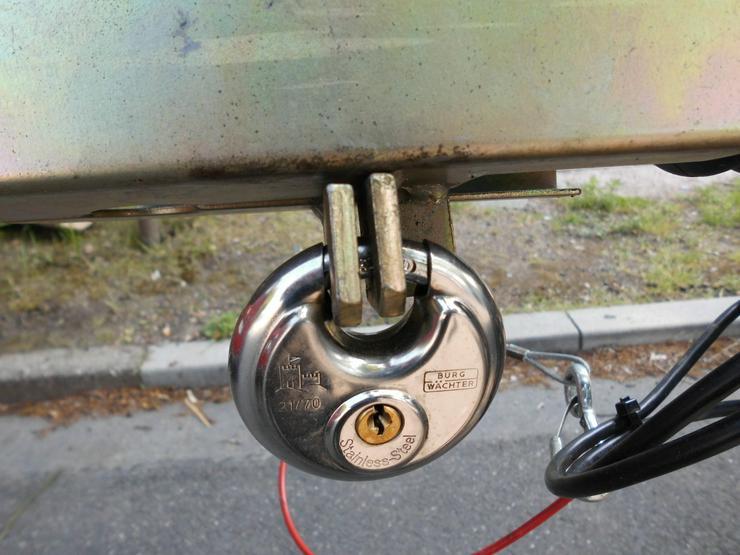 Bild 3: Anhänger für Fahrzeugtransporte ZU VERMIETEN, 4 Räder, 2000 kg Zuladung, Sternschanze 24/7