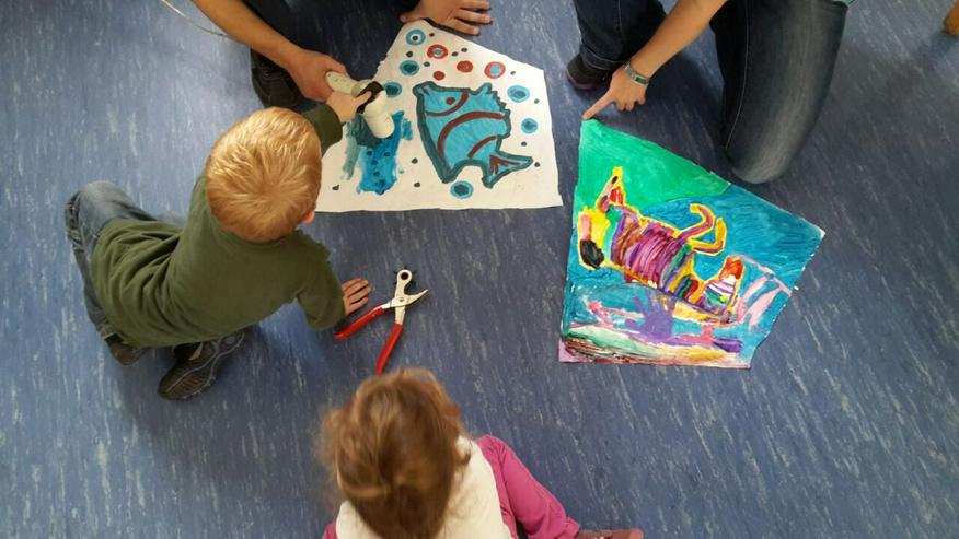 Bild 2: In der Kita / Kiga einen Drachen basteln..Papa / Kind bauen einen Drachen.oder einen Kindergeburtstag im Drachenshop Mülheim mit einem Drachenbastel Event feiern.