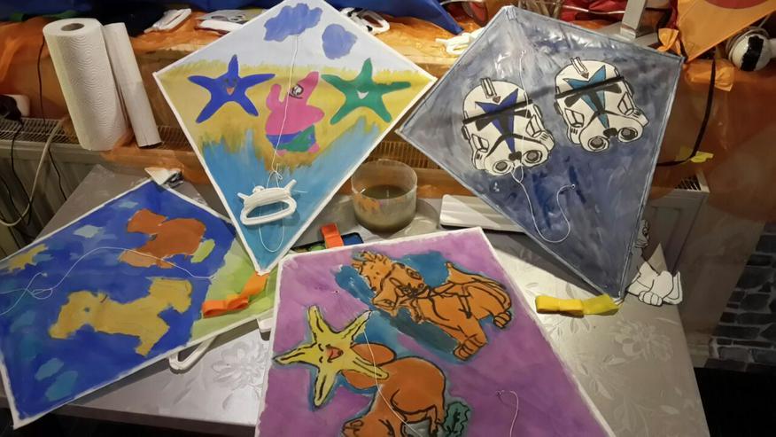 Bild 6: In der Kita / Kiga einen Drachen basteln..Papa / Kind bauen einen Drachen.oder einen Kindergeburtstag im Drachenshop Mülheim mit einem Drachenbastel Event feiern.