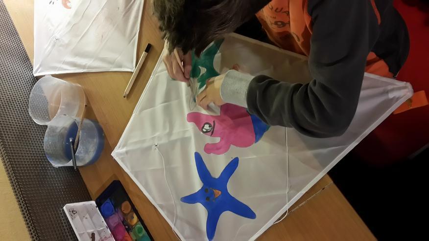 In der Kita / Kiga einen Drachen basteln..Papa / Kind bauen einen Drachen.oder einen Kindergeburtstag im Drachenshop Mülheim mit einem Drachenbastel Event feiern.