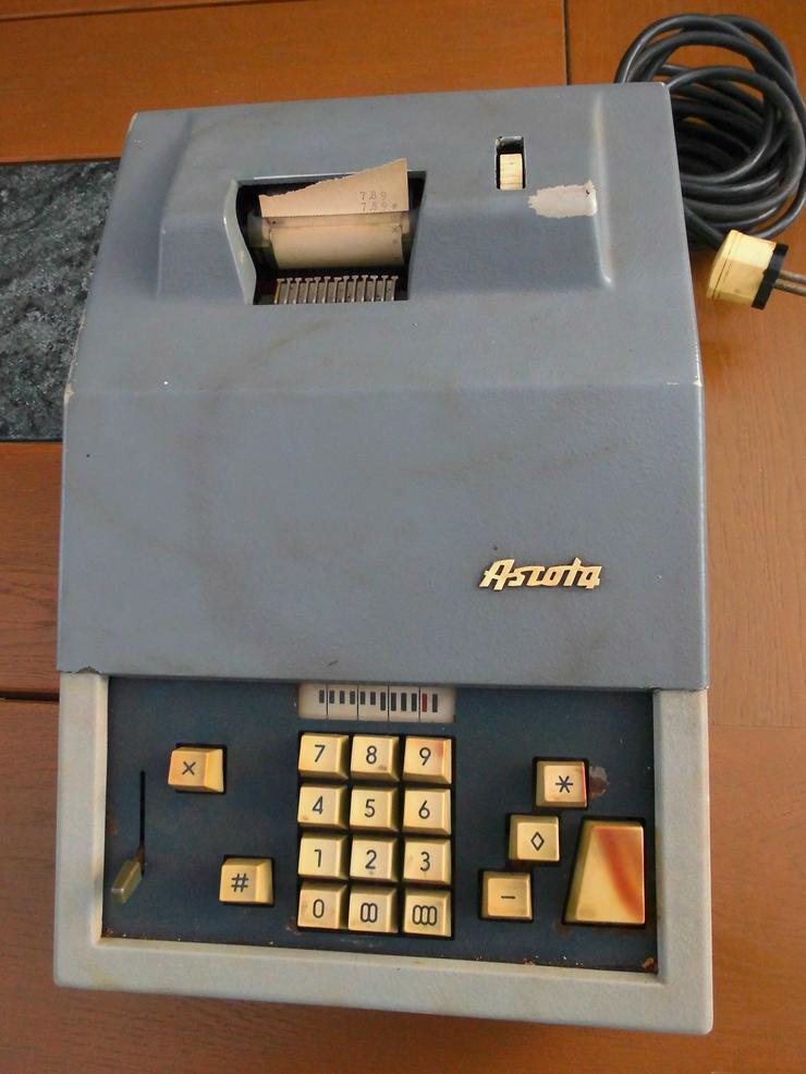 Bild 4: Rechenmaschine Ascota 114 super Zustand
