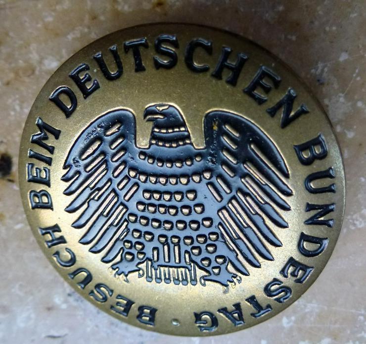 Anstecker Besuch beim Deutschen Bundestag