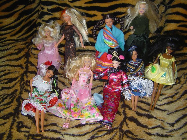 Barbiepupen, Kleidung und diverses Zubehör