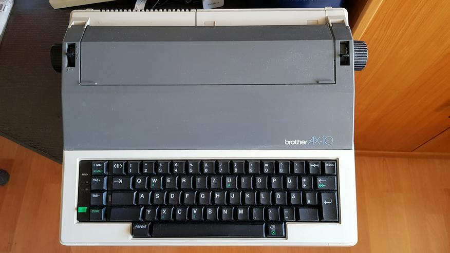 Typenrad-Schreibmaschine brother AX-10 - Büro-Kleingeräte - Bild 1