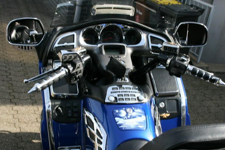 Bild 4: Honda Goldwing GL 1800 Tourer mit Topausstattung