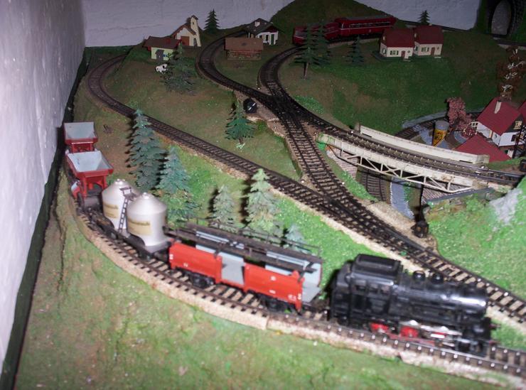 Bild 3: Märklin H0 Modellbahn 2,0m x 1,5m, mit viel Zubehör