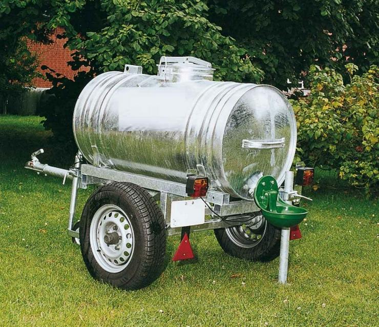 Wasserwagen, Wasserfässer und Wassertanks