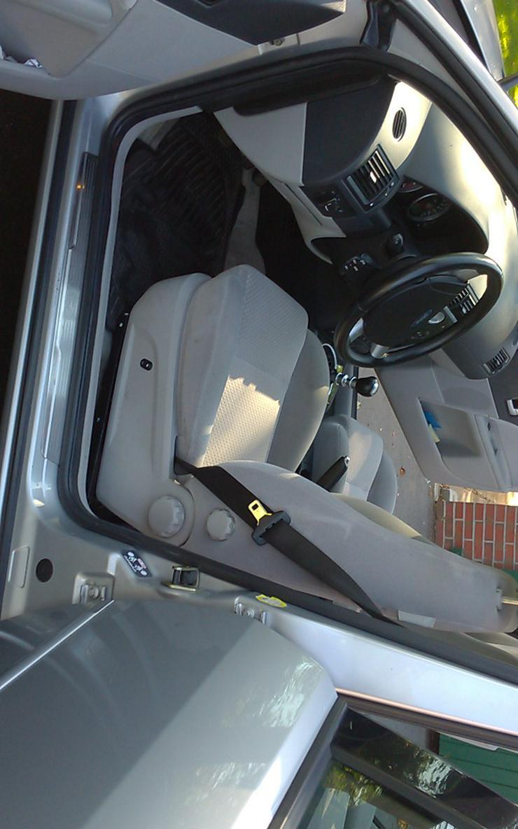 Ford Mondeo  Ghia  Klimaautomatik    TÜV September 2020