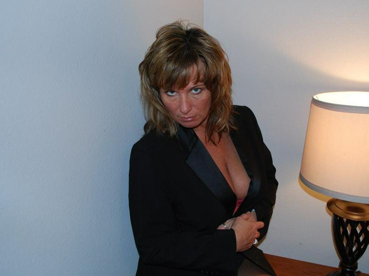 einsame Singlefrau sucht lebensfrohen Partner