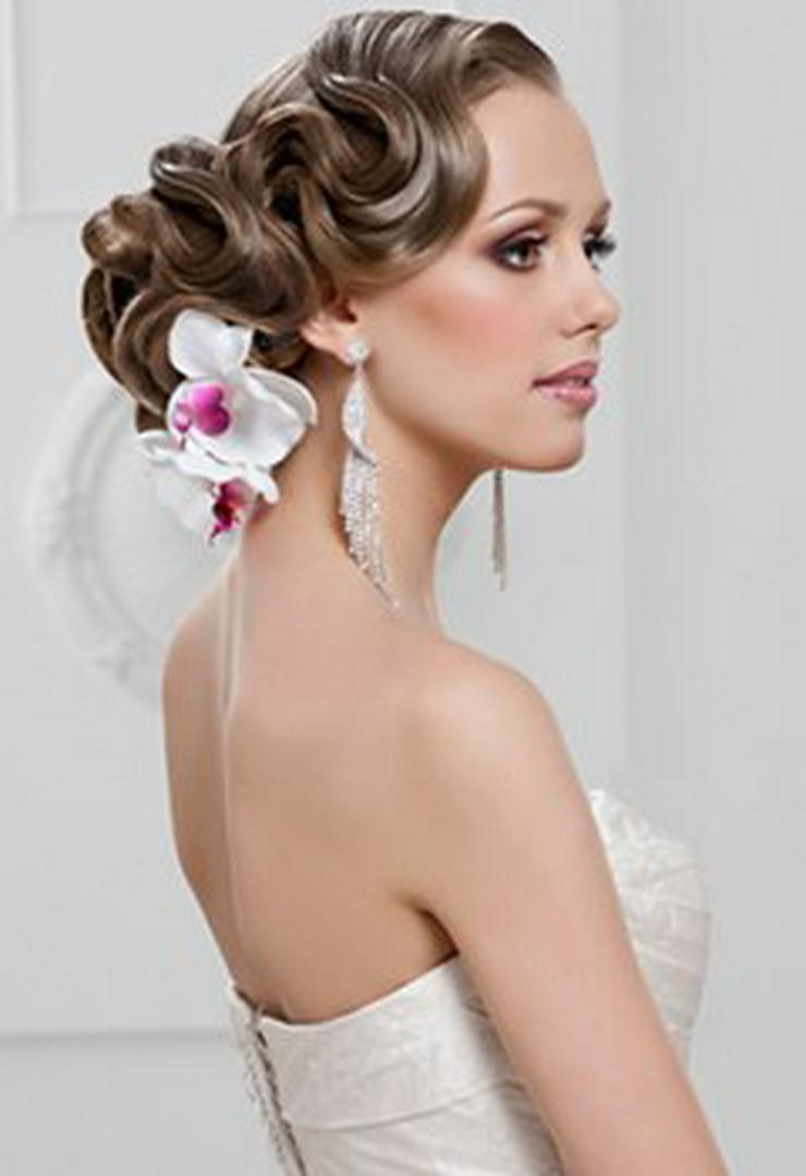 Brautfrisur-Make-up-Haarverlängerung-Mobil