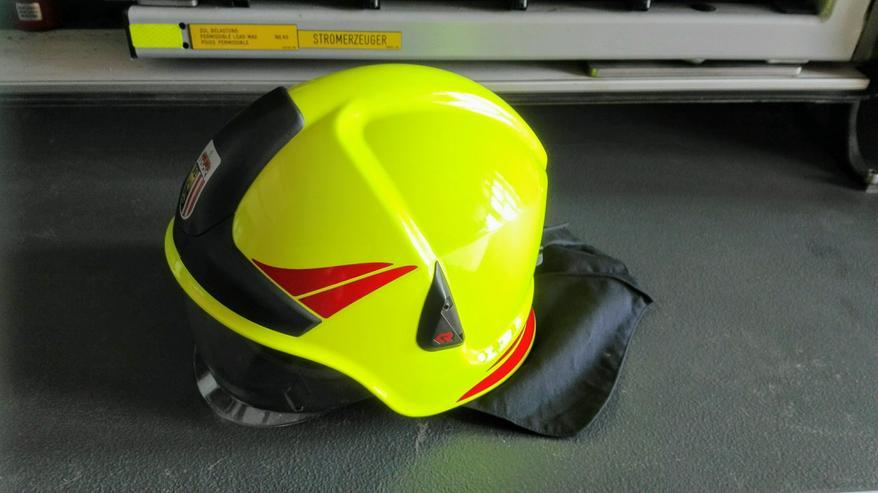 Feuerwehrhelme
