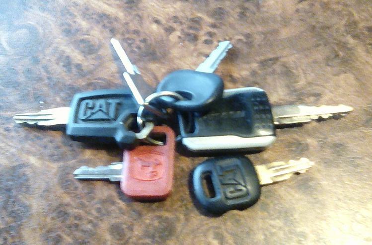 Bild 2: Universal-General--Schlüssel für Baumaschinen/Forstmaschinen