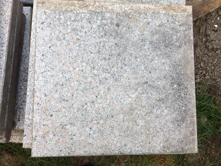 Bild 2: Gehwegplatten