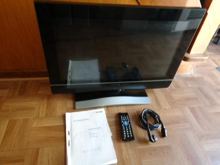 Flachbild TV 66 Zoll Grundig Version + 26 mit Fernbedienung+Beschreibung