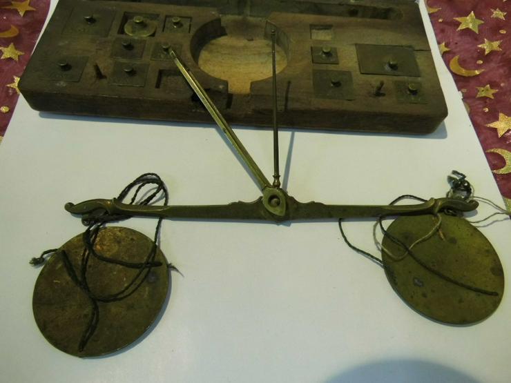Bild 2: Antike Gold - und Münzwaage um 1820 / vormetrische Taschenwaage / Frankreich