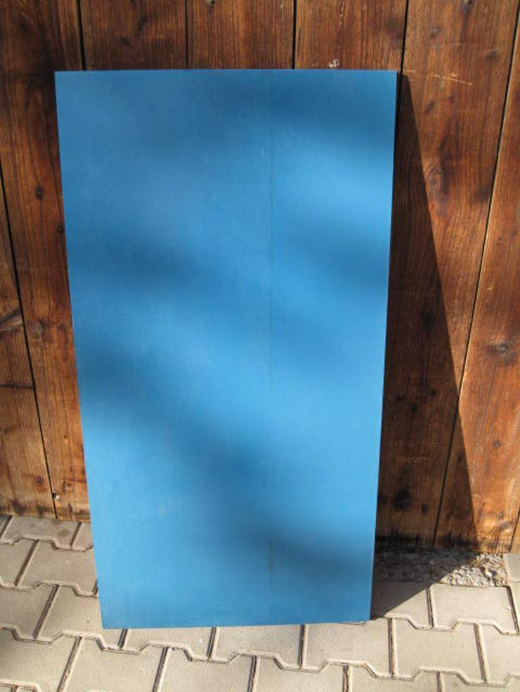 Bild 2: Hochwertige Birkensperrholzplatten mit Kunststoffbeschichtung