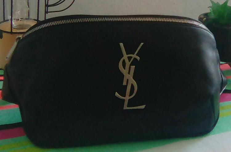 Yves Saint Laurent, classic monogram belt bag zum Megapreis