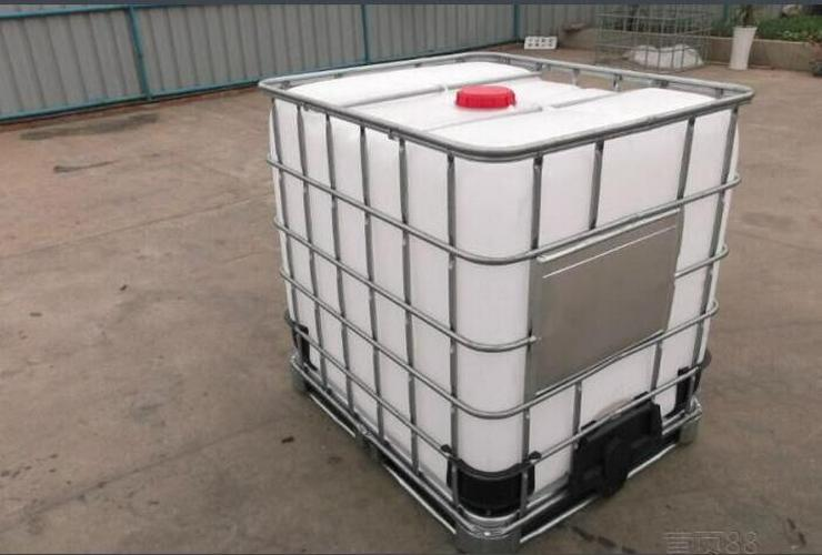 Gebrauchte 1000 Liter IBC Tanks südlich von Wien