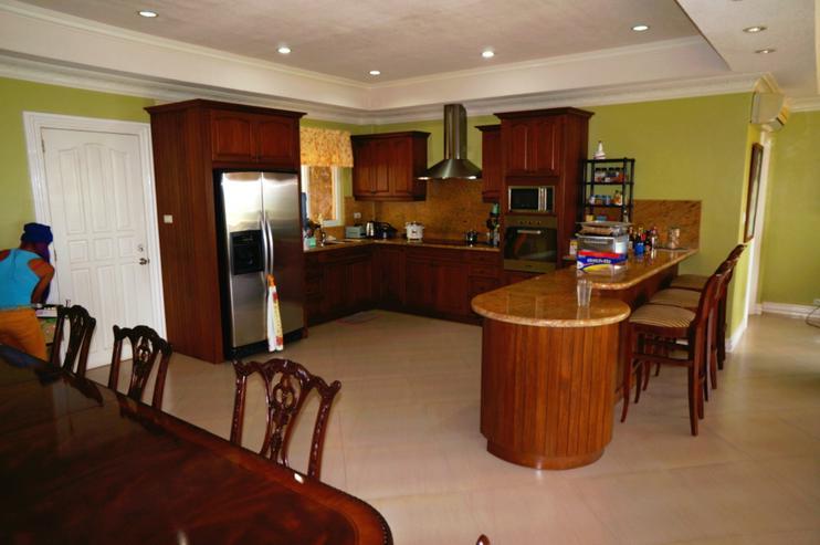 Bild 2: Cebu City, Philippinen: Weitblick Villa in Bestlage / Busay mit 415 m² Wohnfläche