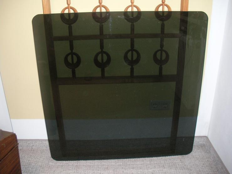 Bild 2: Getönte Glastischplatte