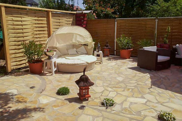 Bild 3: Natursteine Polygonalplatten Terrasse Einfahrt Fassade