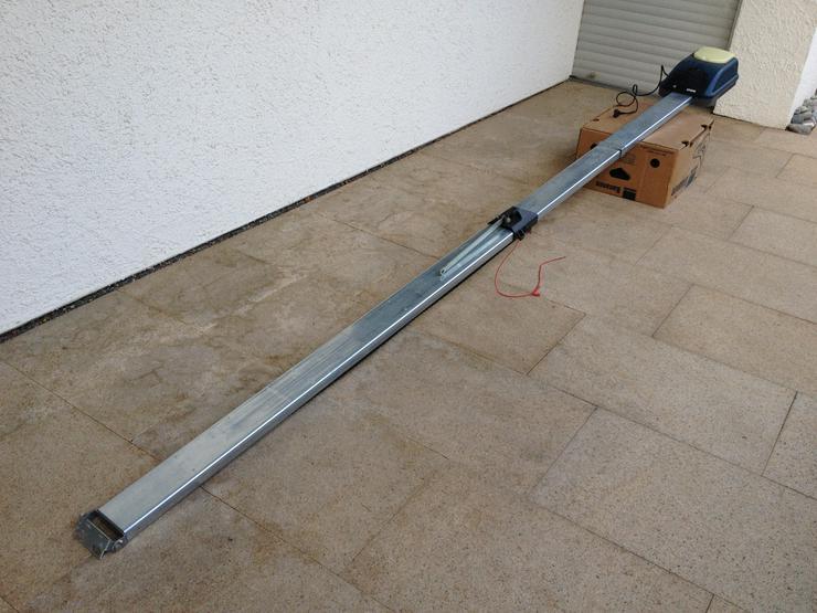Bild 2: Garagentorantrieb Bosch Modell C-700c