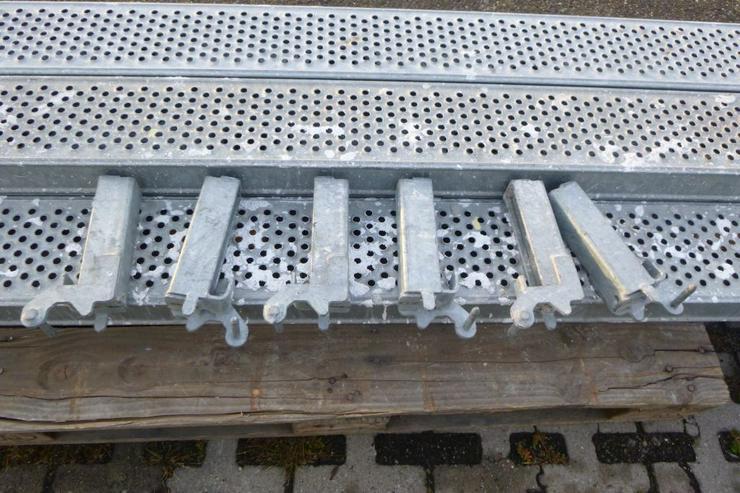 Bild 3: 5 St. Layher Stahlbeläge Stahlböden 3,07m + Steckkonsolen 0,19m