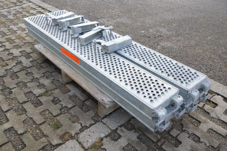 Bild 3: 4 St. Layher Stahlbeläge Stahlböden 1,57m + Steckkonsolen 0,22m für Gerüst
