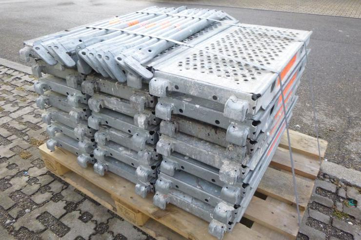 Bild 3: 21 St. Layher Stahlbeläge Stahlböden 0,73m + 11 St.Geländer 0,73m für Gerüst