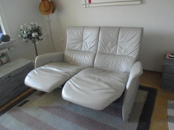 Bild 4: 2-sitziges Relax-Funktionssofa aus Longlifeleder hellgrau, Marke Himolla