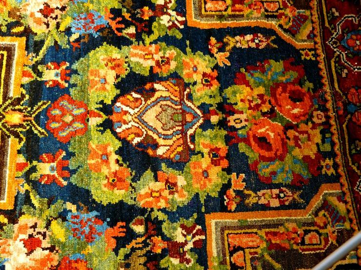 Bild 6: Orientteppich  Senneh 18/19 Jh. (T075)