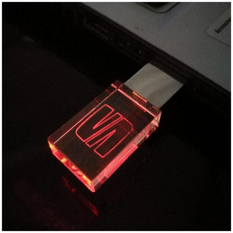 Bild 2: USB-STICK Auto-Logo in Rotem LED-Licht USB 2.0 8GB bis 64GB *NEU*