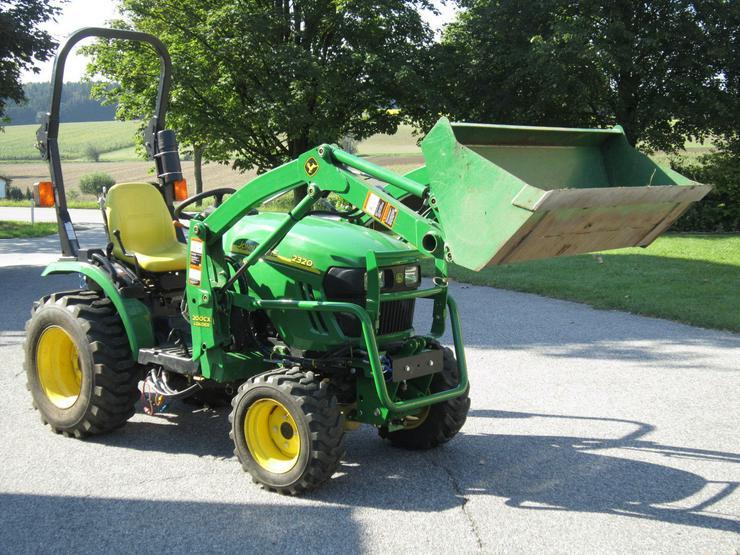 2011 John Deere 2320 - Traktoren & Schlepper - Bild 1