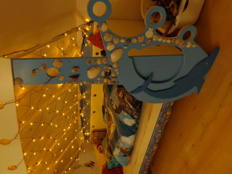 Bild 3: Kinderbett mit Delfinen, maritim, mit Lichternetz